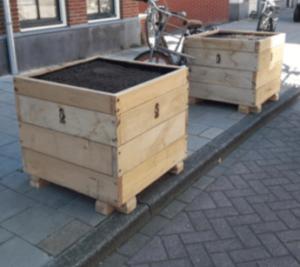 impressie van materiaal en uitvoering: vergelijkbare plantenbakken van Amsterdams Stadshout.