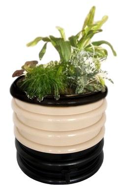 wormenbak met plantendeksel