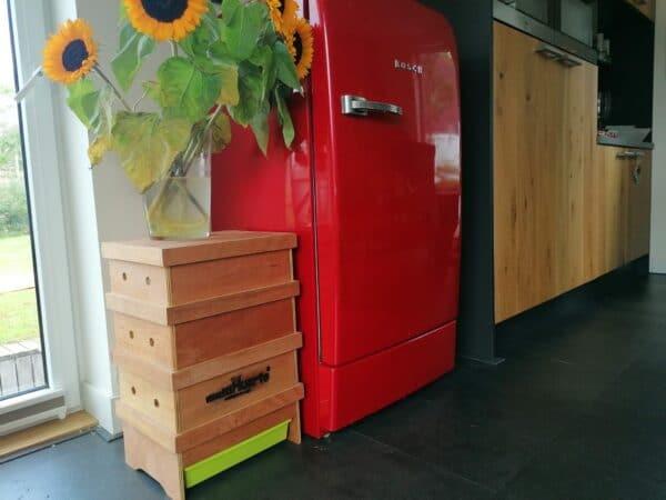 Houten wormenhotel in keuken